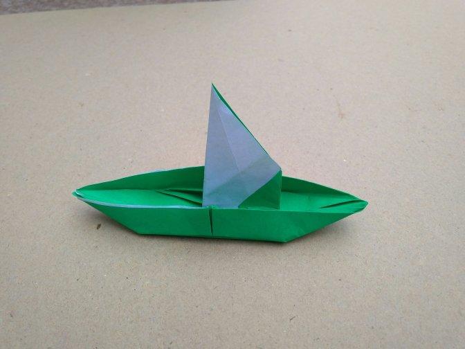 Tutorial Origami Perahu Layar